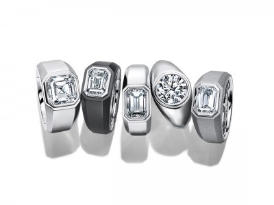 Jewelry focuses on engagement rings for men